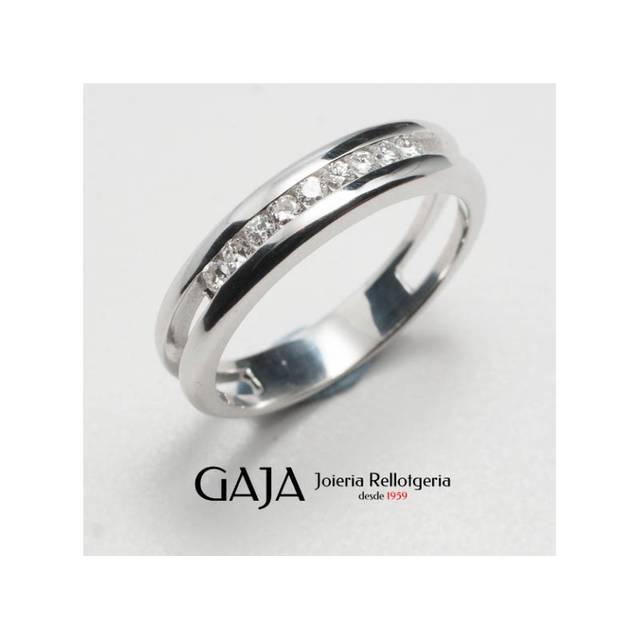Anell mitja aliança or blanc 18 quilats i nou diamants