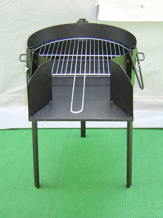 Barbacoa artesana para carbon y leña.