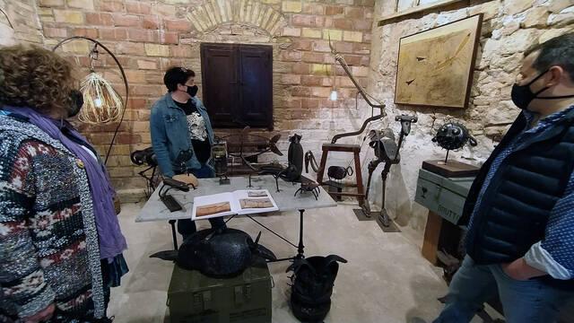 Estefania Rufach assisteix a Santalinya a la inauguració d'una exposició permanent amb obres d'Antoni Camarasa i Jordi Marcos