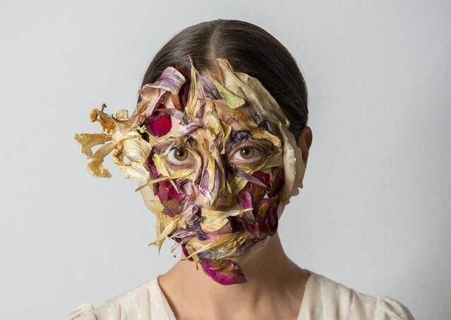 """""""La identitat perduda. El rostre, colección olorVISUAL."""