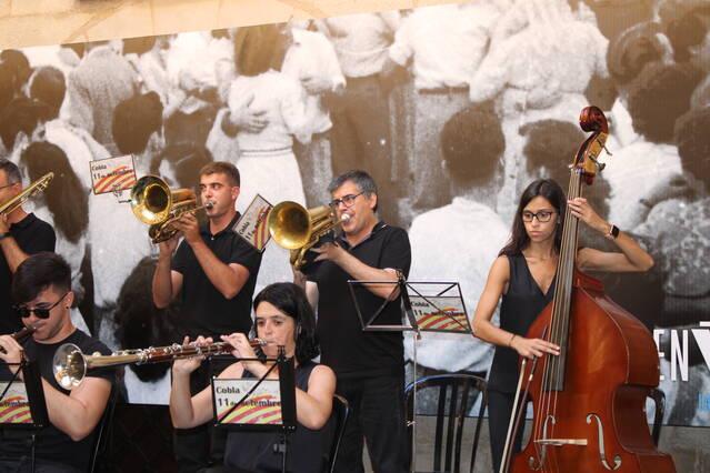 L'IEI posa música de sardana a la Diada amb un concert de la Cobla 11 de Setembre